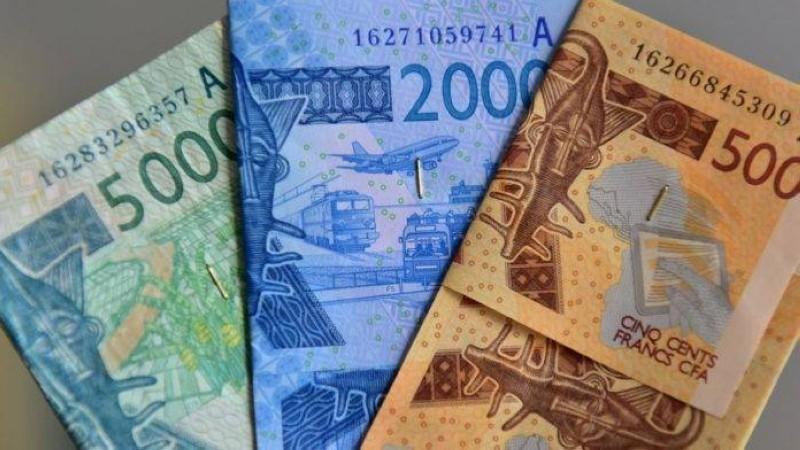 Ce texte valide la transformation du franc CFA, qui deviendra l'Eco en maintenant la parité fixe avec l'Euro. (Dr)