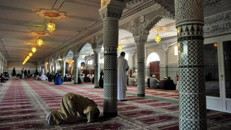 La mosquée des 2 Plateaux-Aghien où le Cheick Al Aïma Boikary Fofana était l'imam principal (Photo d'illustration)