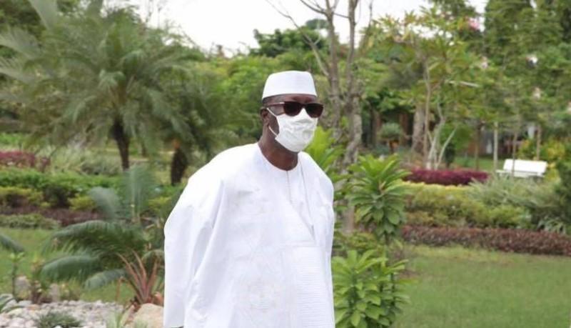 Le Président de la République de Côte d'Ivoire, ce samedi 23 mai 2020, dans les jardins de sa résidence (DR)