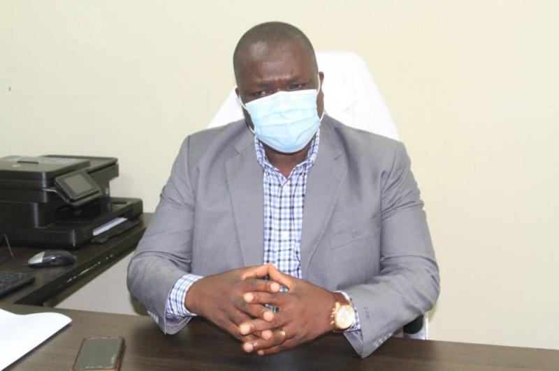 Dr Deka Paulin Christian, directeur général du Chu de Yopougon. (Sébastien Kouassi)