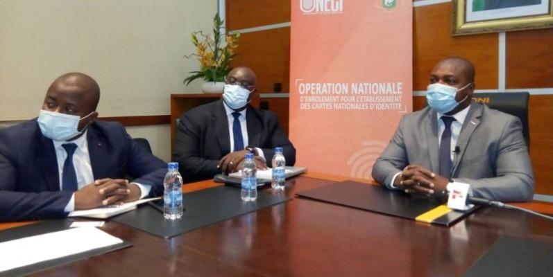 Le DG de l'Oneci s'est entretenu avec des journalistes sur la distribution des cartes nationales d'identité ivoiriennes. (DR)
