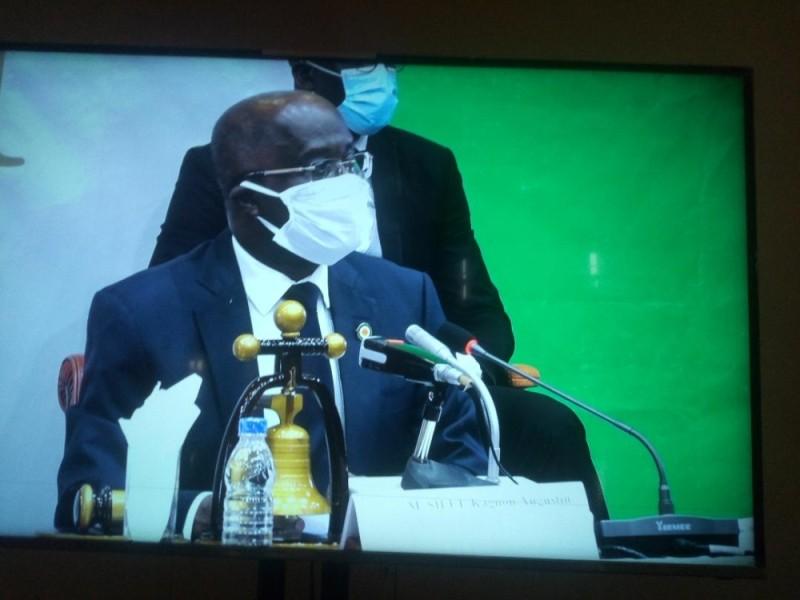 Silué Kagnon Augustin, vice-président du Sénat, a présidé les travaux de cette séance plénière.