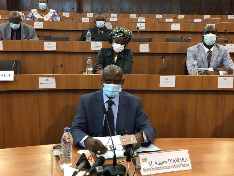 Le ministre de l'Enseignement supérieur et de la Recherche Scientifique, Adama Diawara