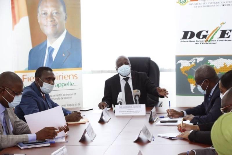 Cette séance de travail a permis au nouveau ministre Albert Flindé, de se faire une idée plus exacte de la situation des Ivoiriens hors du pays. (DR)