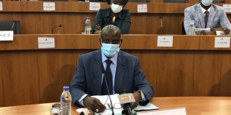 Pr Adama Diawara, ministre de l'Enseignement supérieur et de la Recherche scientifique. (DR)