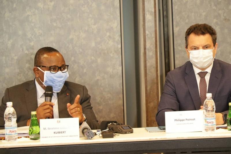 Philippe Poinsot, Coordonnateur résident du système des Nations unies et le Président de la Cei ont conduit les échanges.
