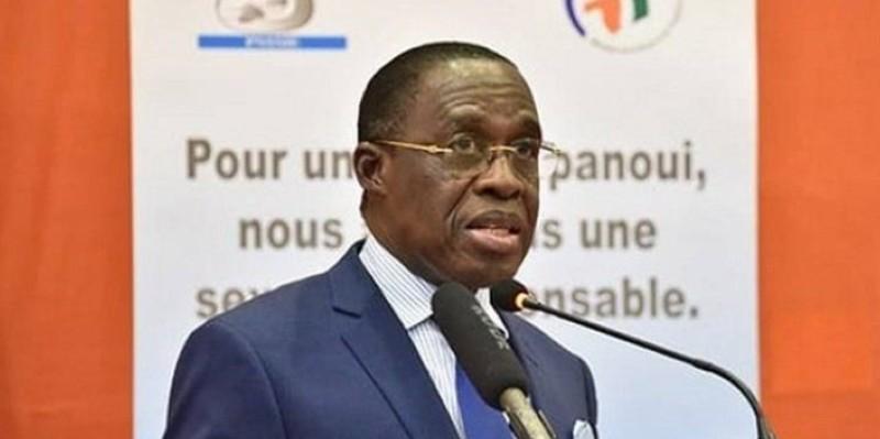 En Côte d'Ivoire, la prévalence du tabagisme chez les jeunes est une triste réalité, selon des statistiques de 2012. (Dr)
