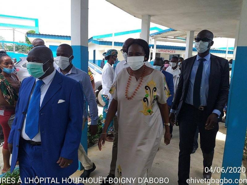 Simone Gbagbo a également visité l'hôpital Félix Houphouët-Boigny d'Abobo. (Dr)