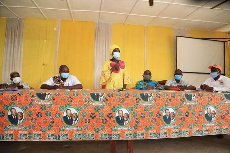 """""""Nous devons mobiliser pour assurer la victoire de notre candidat Amadou Gon Coulibaly au soir du 31 octobre 2020"""", a exhorté le Professeur Mariatou Koné"""