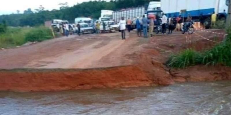 L'entreprise PFO a entreprise des travaux pour remettre en l'Etat la passerelle détruite par l'eau. (Dr)