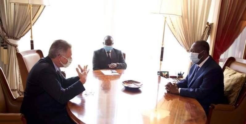 Le Président Ouattara et l'ambassadeur d'Allemagne en Côte d'Ivoire. (Présidence ci)