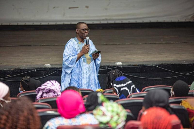 Le ministre Amadou Koné, coordonnateur régional du Rhdp de Gbêkê 1, a mis en mission les jeunes filles majeures. (Dr)