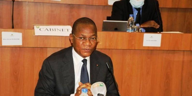 Bruno Nabagné Koné et les députés membres de la Commission de la recherche, de la science, de la technologie et de l'environnement ont passé en revue tous les sujets sensibles sur ces dossiers. (Dr)