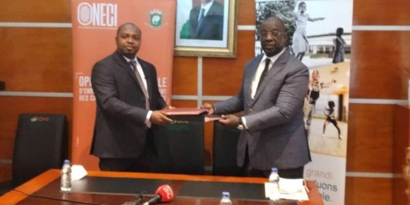 Issa Fadiga (à droite) et Kafana Gnenin Sitionni se sont engagés à renforcer leur collaboration au profit des populations. (Dr)