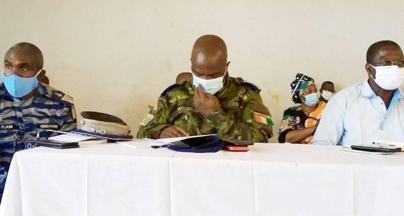 Des autorités sécuritaires ivoiriennes de Tengréla invitent à la sérénité. (Dr)