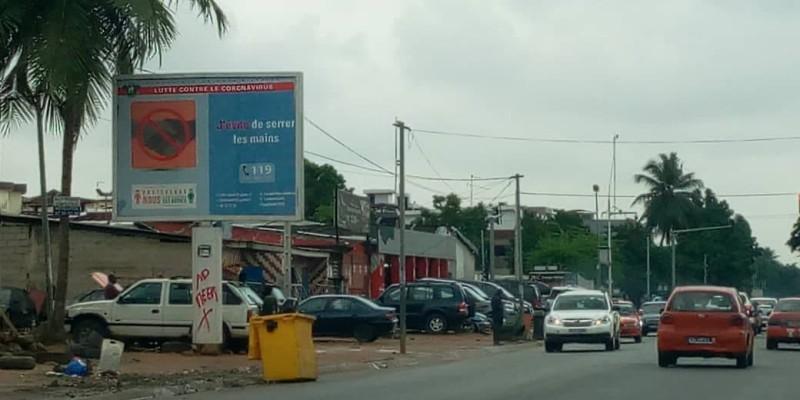 Les panneaux marqués seront détruits par les services du ministère de l'Entretien routier et de l'Equipement. (Dr)