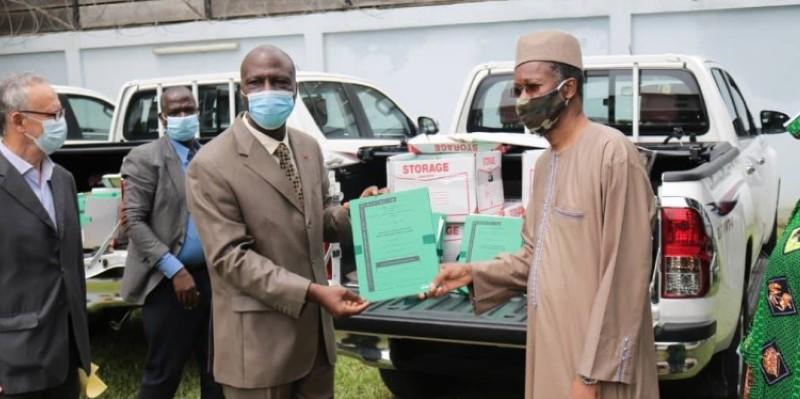 Le directeur général de l'Afor, Bamba Cheick Daniel (à gauche) demande aux opérateurs fonciers de se mettre rapidement au travail. (Dr)