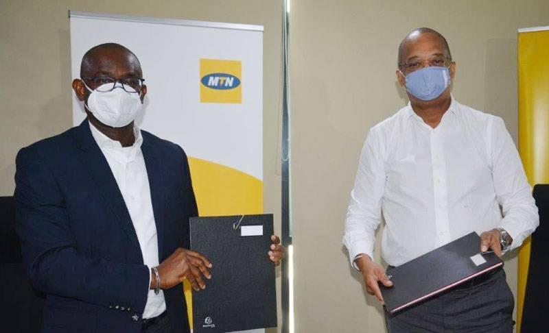 Les deux responsables des entreprises ont signé la convention. (DR)
