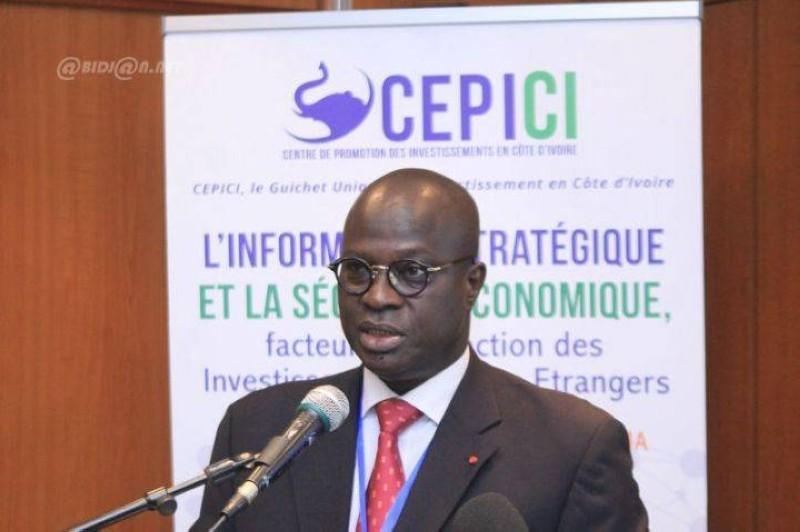Même si l'activité économique connaît un ralentissement, la Côte d'Ivoire continue d'inspirer confiance, d'après le ministre Emmanuel Essis Esmel. (Photo d'Archives)