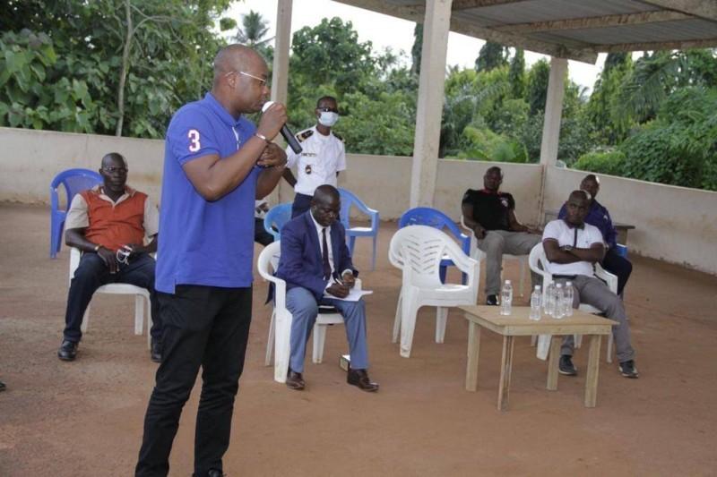 Eric-Casimir Akaffou a parcouru les villages de la sous-préfecture pour sensibiliser les populations. (DR)