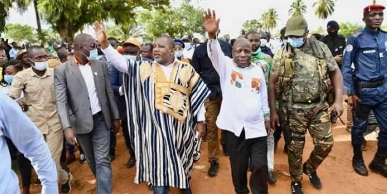 Les coordinateurs régionaux Flindé et Konaté en compagnie du député de Bin-Houyé. (DR)