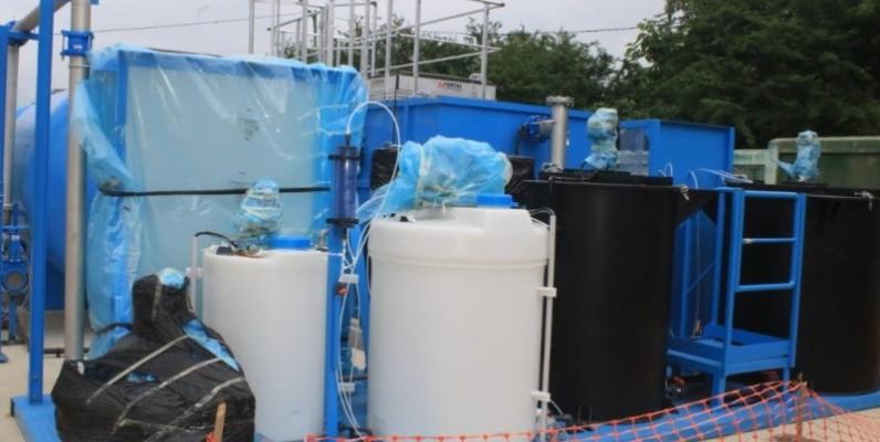 Grâce aux unités compactes de dégremonts  (Ucd), la production d'eau potable va augmenter dans 32 localités du pays. (DR)