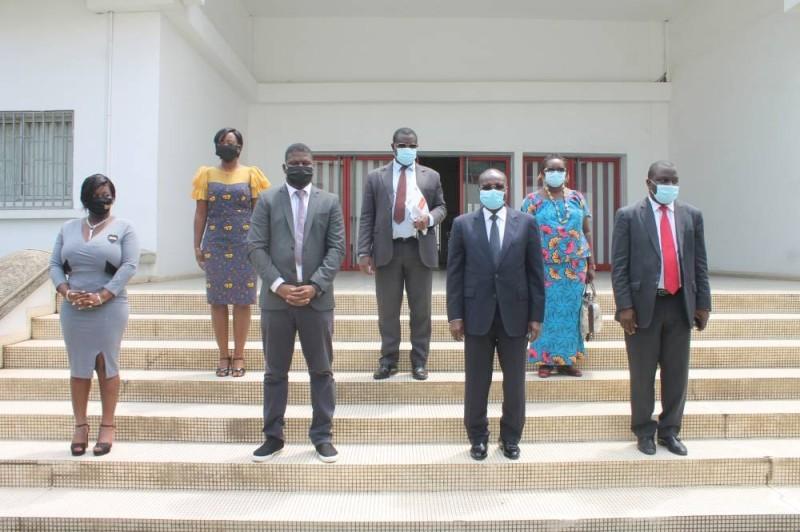 Les membres du bureau de la Pnci et le président de la CCI-CI ont posé pour la postérité. (DR)