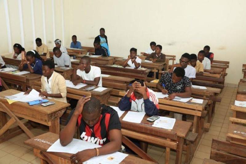 Des candidats en pleine concentration pour l'examen (DR)