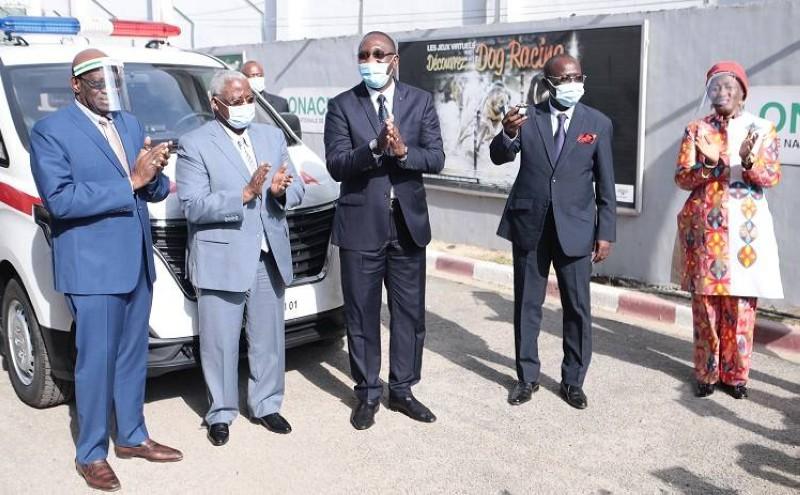 Le directeur général de la Lonaci, Dramane Coulibaly, s'est dit heureux de voir le rêve des populations se réaliser. (DR)