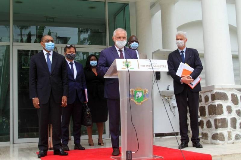 L'ambassadeur de France en Côte d'Ivoire, Gilles Huberson, qui conduit la délégation française a fait une déclaration à la fin de l'audience. (Sébastien Kouassi)