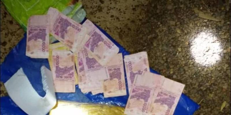 De faux billets de banque. (Gendarmerie)