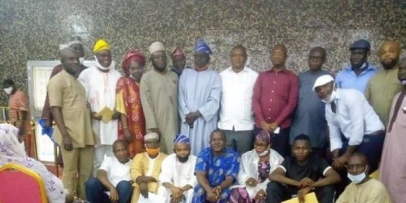 Des membres de la Communauté nigériane en Côte d'Ivoire au cours de la rencontre à la mairie d'Attécoubé. (Dr)