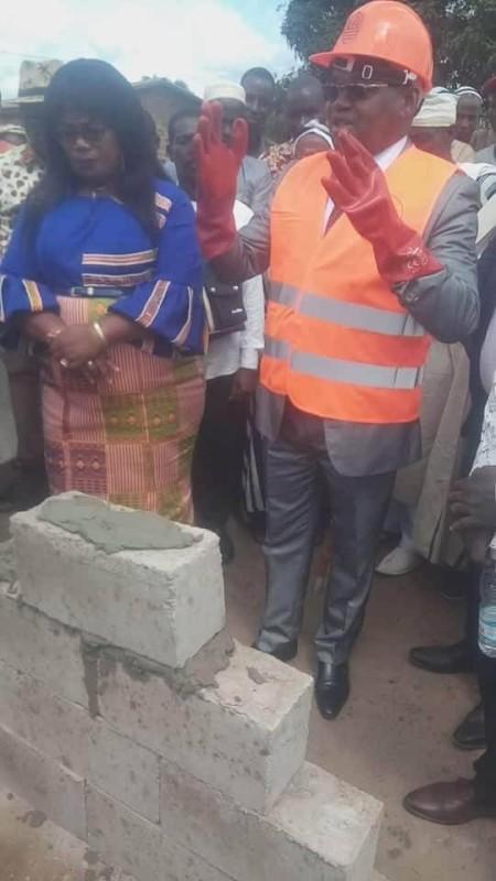 Serey Doh Célestin, président du Conseil régional a posé la première pierre de cette infrastructure.(DR)