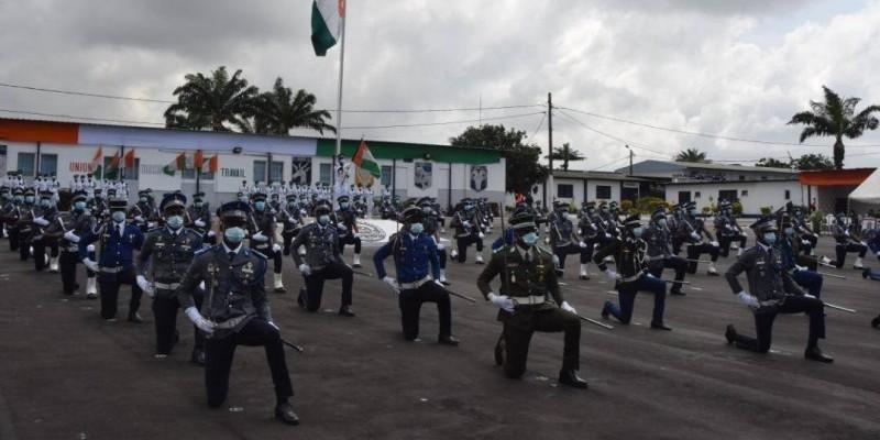 Les nouveaux officiers de l'Ecole de gendarmerie d'Abidjan. (DR)
