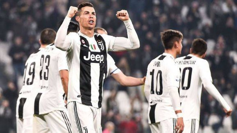 Cristiano Ronaldo savoure un nouveau titre de champion avec la Juventus. (DR)