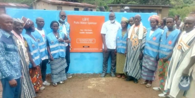 Les villageois sont en joie avec la réhabilitation de la pompe de Gouimpleu. (DR)