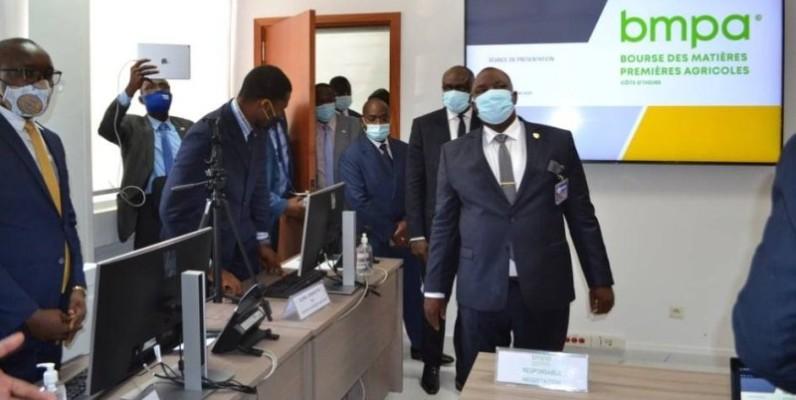 Légende : Le ministre Kobenan Kouassi Adjoumani a procédé à une visite guidée des locaux de la future BMPA. (DR)