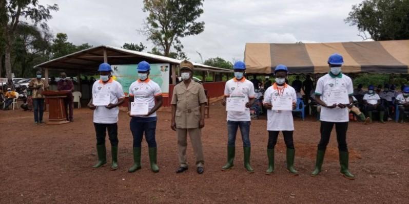 Les première promotion de la Mine école a exprimé sa reconnaisance au ministre Jean-Claude Kouassi pour l'opportunité de cette formation