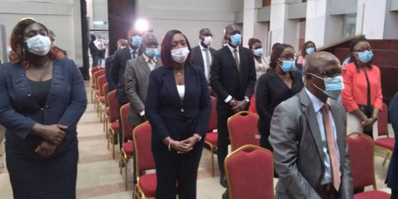 24 agents de l'Anp (à gauche) et 37 travailleurs du Burida ont été investis de la qualité qui leur permet désormais d'exercer pleinement leurs attributions. (DR)