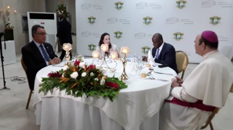 La Côte d'Ivoire a offert un diner d'adieu à l'ambassadeur du Canada, en présence du corps diplomatique. (DR)