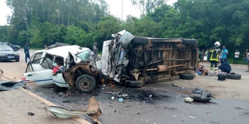 Trois personnes parmi les victimes étaient bloquées dans les véhicules impliqués. (Gspm)