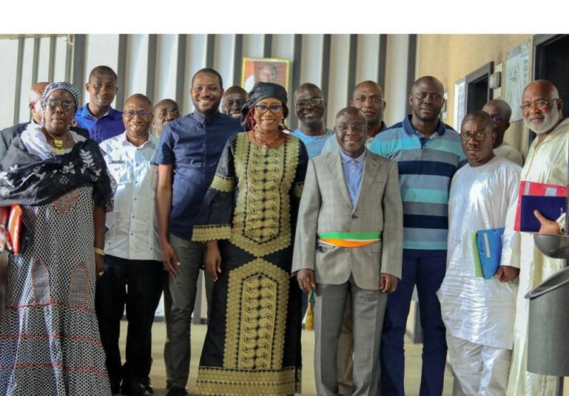 Le président du Conseil régional du Worodougou, Bouaké Fofana et son équipe