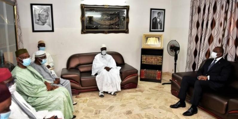 Le Premier ministre chez le guide religieux. (DR)