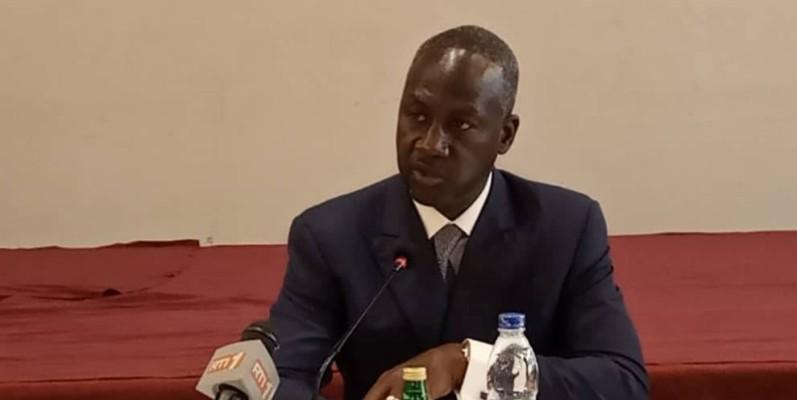 Le directeur exécutif du Rhdp, Adama Bictogo, invite les élus à mailler le terrain pour la victoire de leur candidat. (DR)