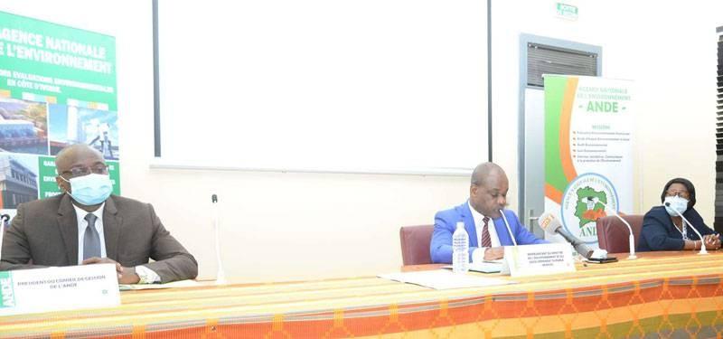 Parfait Kouadio, le représentant du ministre de l'Environnement et du Développement durable, a ouvert l'atelier. (DR)