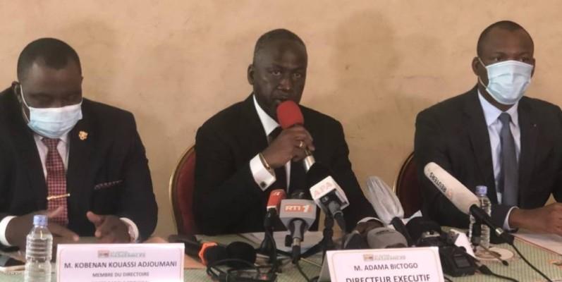 Le directeur exécutif du Rhdp, Adama Bictogo, assis entre Kobenan Kouassi Adjoumani ( à sa droite) et Mamadou Touré, a annoncé des missions éclatées sur le territoire pour mobiliser les militants.