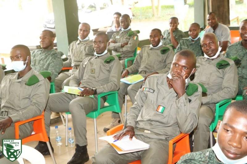 Des agents des Eaux et Forêts en formation. (DR)