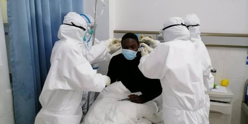 Traitement d'un patient atteint du Covid-19. (DR)