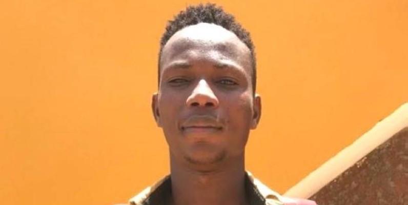 Djo Bi Franck Iré, élève emprisonné pour Congés anticipés . (Photo: Groupe 1)