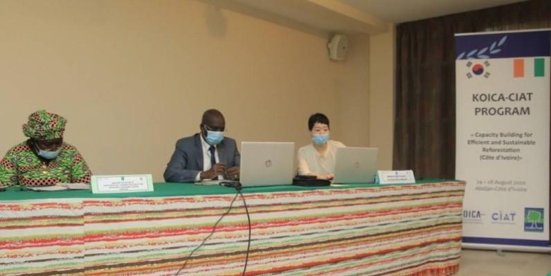 Le directeur général de la Sodefor, le colonel Mamadou Sangaré (au centre), a exprimé sa gratitude à la Koica pour cette formation. (DR)